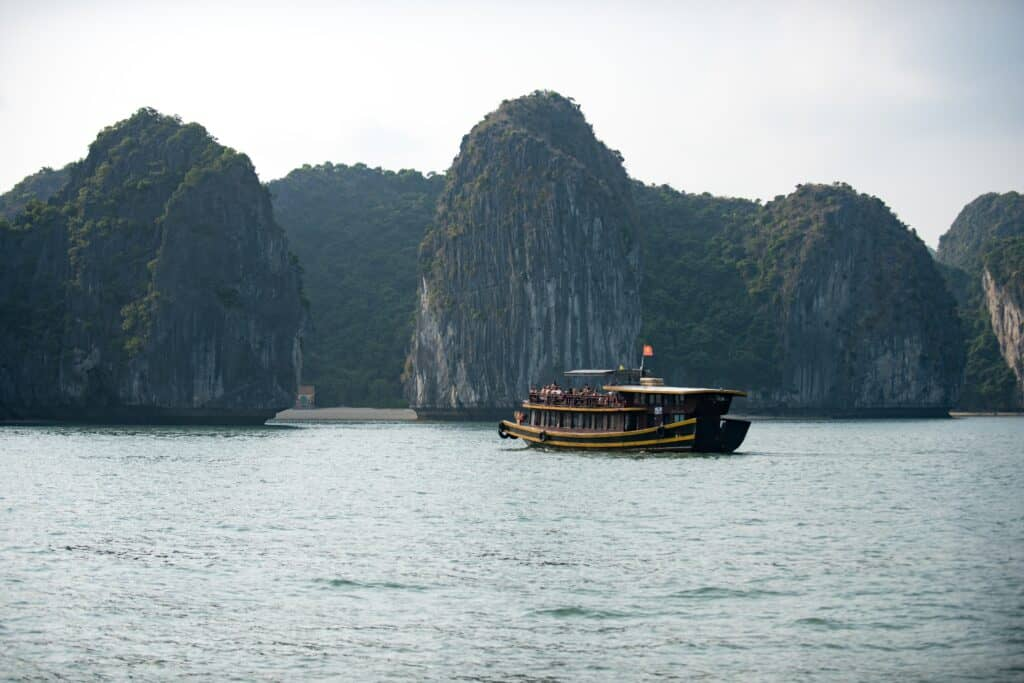 Boat on Halong Bay, Halong Bay on a Budget